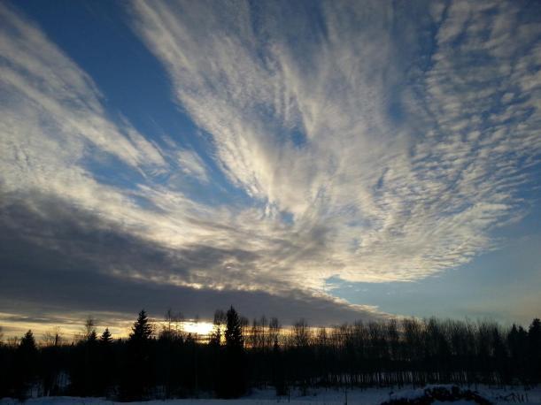 Fantastisk himmel vid solnedgången idag!