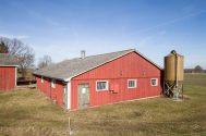 Det gamla grisstallet (inte använt på 15 år så ingen grislukt kvar) som ska bli uppvärm träningslokal