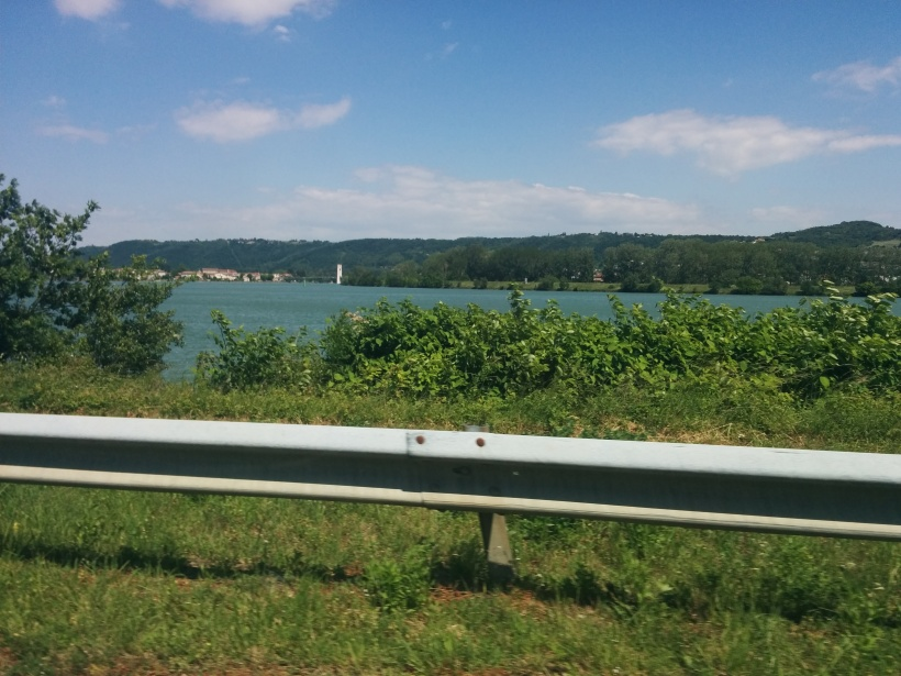Tog en annan väg hem, upp genom ett naturreservat som ligger på rejäl höjd. Här utsikt över floden
