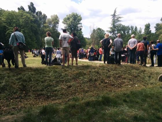 Dags för skottprov, mycket publik