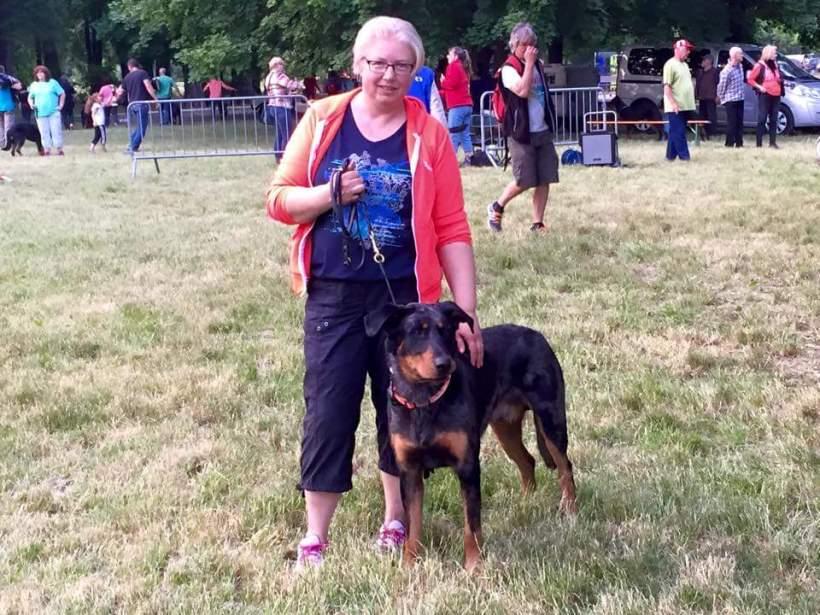 Indi och jag på söndagen, efter att vi varit inne i stora ringen vid uppfödartävlingen, foto taget av Eva Lantz