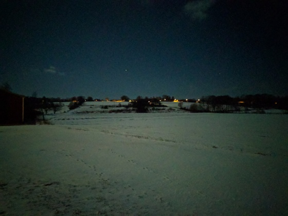 På sista kvällsrundan behövdes ingen pannlampa - med fullmåne och snö blev det ljust och fint ute!